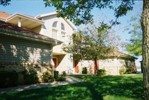 2br -1100ft2 - Condo-styled 2 Bdm Apt. w/ Attached 1 car garage in Delavan
